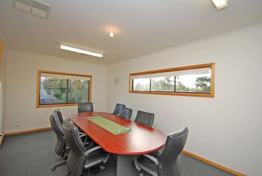8 Whitehorse Road Mount Clear VIC 3350 - Image 2
