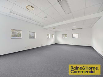 8/191 Hedley Avenue Hendra QLD 4011 - Image 2