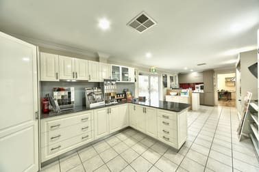 79 Catherine Crescent Lavington NSW 2641 - Image 3