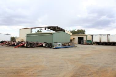 2 Tews Court Wilsonton QLD 4350 - Image 3