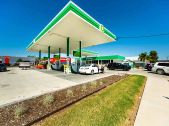 687 Drome Street, Albury NSW 2640 - Image 2