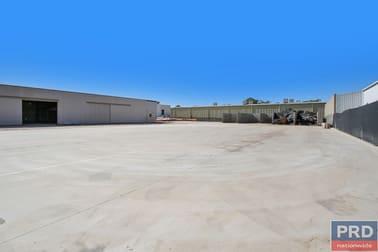 928 Metry Street Albury NSW 2640 - Image 2