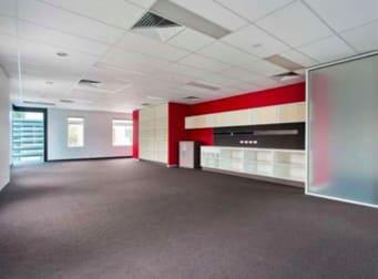 92/21 Hall Street Port Melbourne VIC 3207 - Image 1