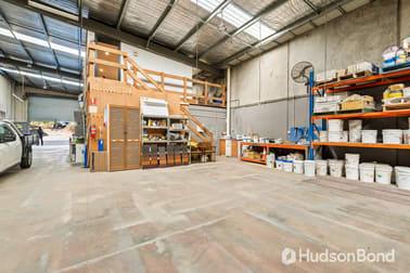 2/10 Simms Road Greensborough VIC 3088 - Image 3