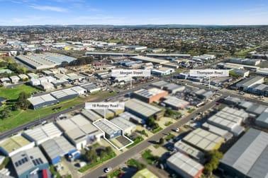 18 Rodney Road North Geelong VIC 3215 - Image 2