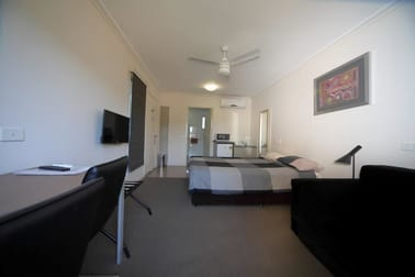 21 Doon Blackwater QLD 4717 - Image 3