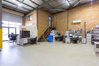 11 Glastonbury Avenue Unanderra NSW 2526 - Image 3