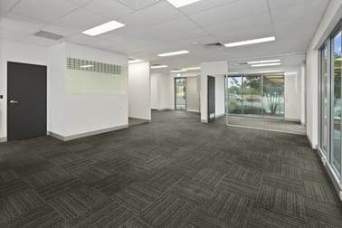 4/3-5 University  Drive Meadowbrook QLD 4131 - Image 1