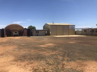 92 Laurie Street Mount Magnet WA 6638 - Image 2