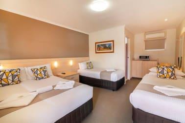 Motel/170-174 Lords Place Orange NSW 2800 - Image 2