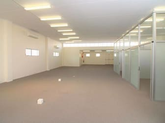 4 Hall Lane Toowoomba City QLD 4350 - Image 2