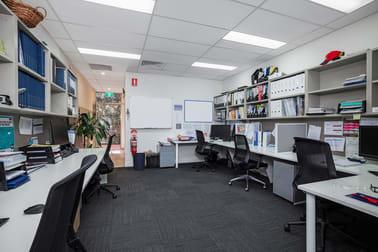 4/2 Victor Road Brookvale NSW 2100 - Image 2