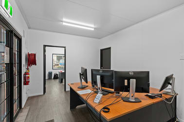 8 Freighter Avenue Wilsonton QLD 4350 - Image 2