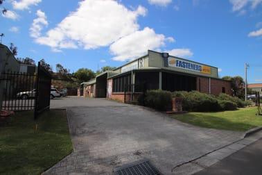 2/33 Waverley Drive Unanderra NSW 2526 - Image 1