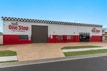2 Roberts Close Yamba NSW 2464 - Image 2