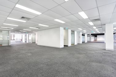 2/35 Astor Terrace Spring Hill QLD 4000 - Image 2