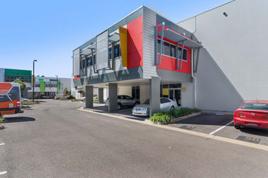 8/547 Woolcock Street Mount Louisa QLD 4814 - Image 1
