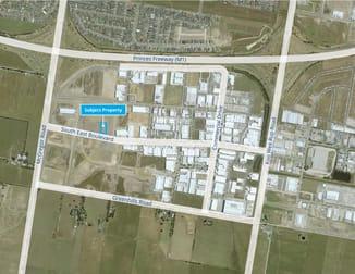 40 Southeast Boulevard Pakenham VIC 3810 - Image 2