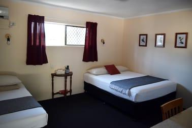 Gladstone QLD 4680 - Image 2