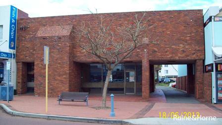11 Railway Terrace Rockingham WA 6168 - Image 1