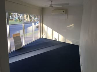 1/472 Esplanade Torquay QLD 4655 - Image 2