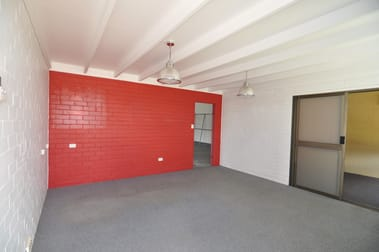 25 Yeatman Street Hyde Park QLD 4812 - Image 2