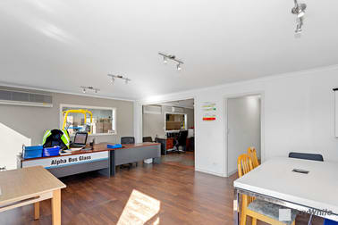 16 Yiannis Court Springvale VIC 3171 - Image 3