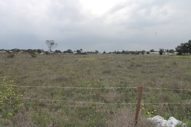 12 Yumborra Road Dalby QLD 4405 - Image 2