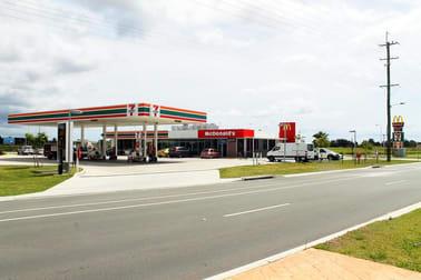 87 Broadwater Avenue Hope Island QLD 4212 - Image 3