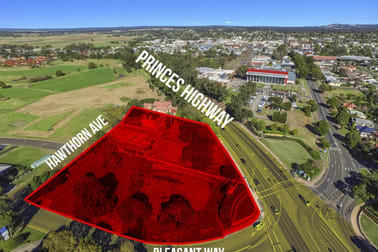 10 Pleasant Way Nowra NSW 2541 - Image 2