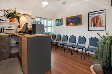 92 Frank Street Labrador QLD 4215 - Image 3