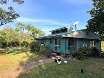 400 Railway Avenue Cooktown QLD 4895 - Image 1
