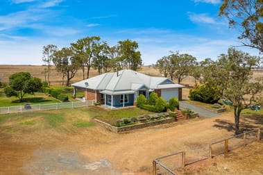 99 Shepperd Road Vale View QLD 4352 - Image 2