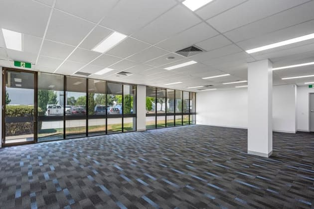 50 Wirraway Drive Port Melbourne VIC 3207 - Image 2