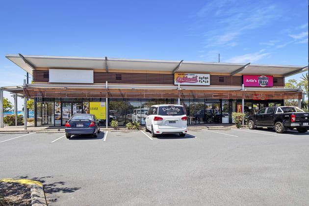 1 Lakeview Boulevard Mermaid Waters QLD 4218 - Image 2