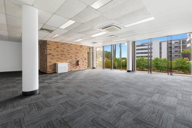 63 Bay Terrace Wynnum QLD 4178 - Image 2