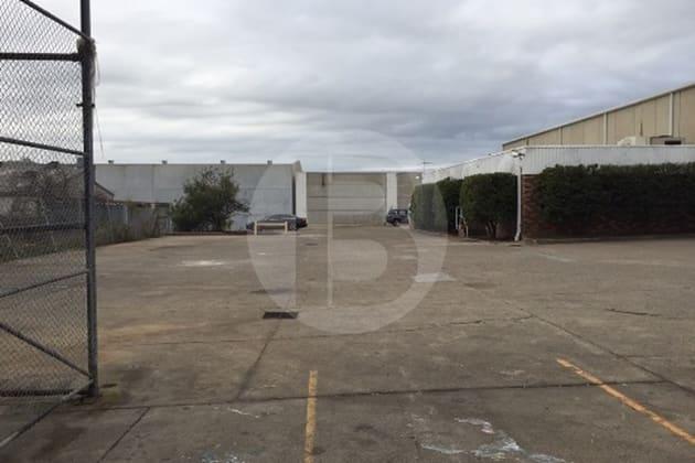 30 CHIFLEY STREET Smithfield NSW 2164 - Image 5