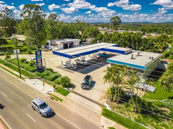 76 Middle Road, Hillcrest QLD 4118 - Image 2