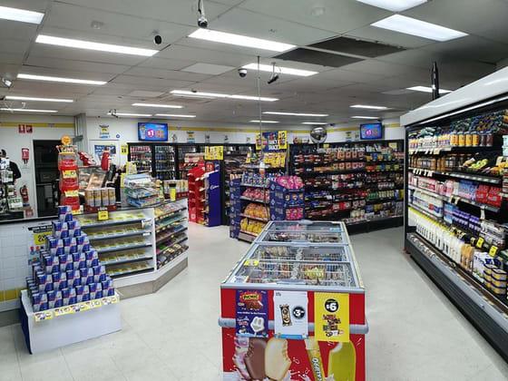 5/3 Tarcoola Avenue Mooloolaba QLD 4557 - Image 3