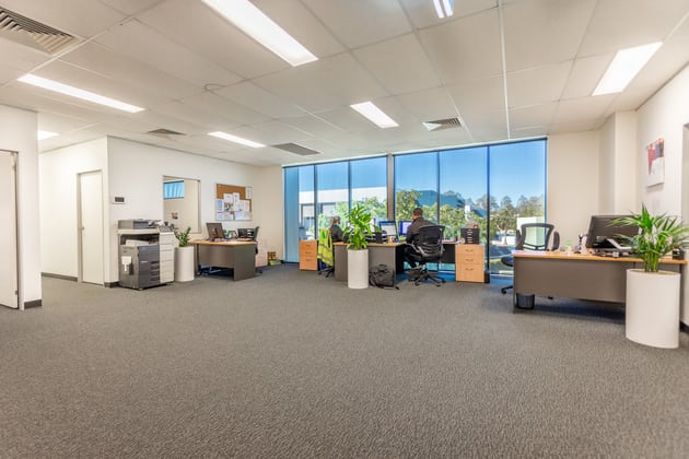 7/3-5 University Drive Meadowbrook QLD 4131 - Image 4