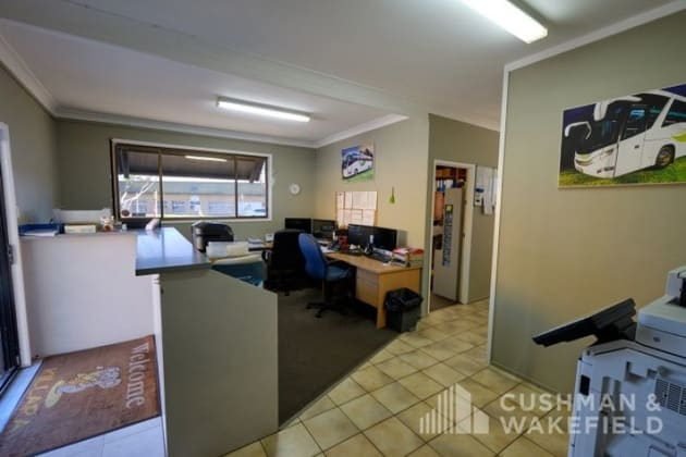 35 Bailey Crescent Southport QLD 4215 - Image 4