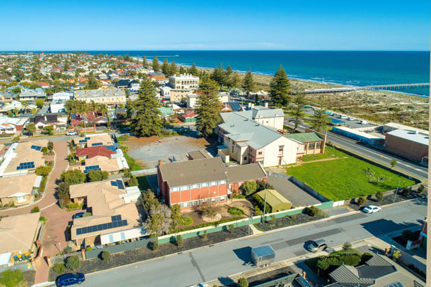 Lady Gowrie Drive Largs Bay SA 5016 - Image 2