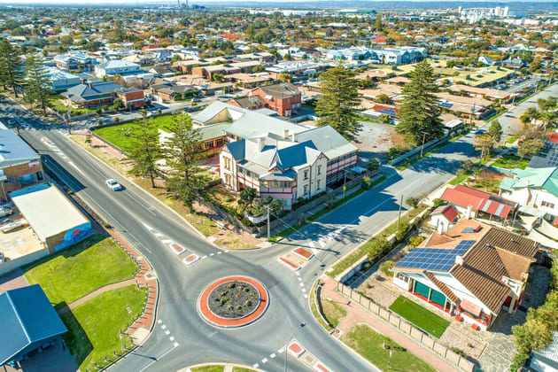 Lady Gowrie Drive Largs Bay SA 5016 - Image 3