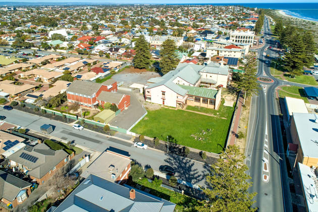 Lady Gowrie Drive Largs Bay SA 5016 - Image 4
