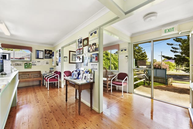 369-371 Bridge Street Wilsonton QLD 4350 - Image 2