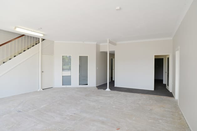 Unit 1+2/104 Compton Road Woodridge QLD 4114 - Image 5
