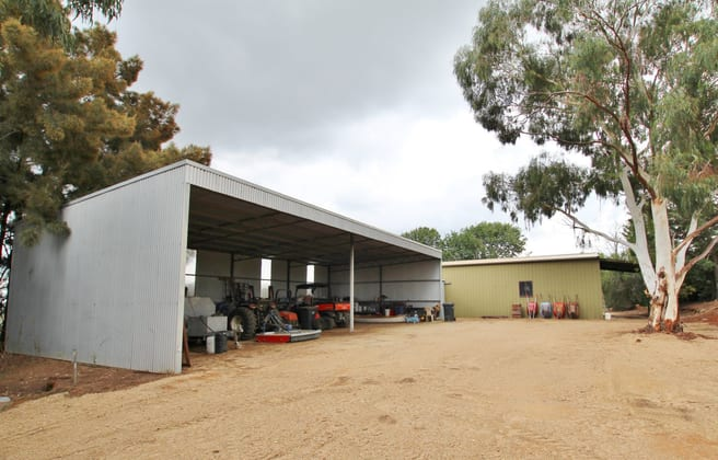 """Restalrig"" Hartfield Road Young NSW 2594 - Image 3"