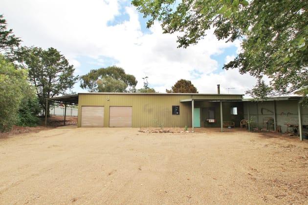 """Restalrig"" Hartfield Road Young NSW 2594 - Image 4"