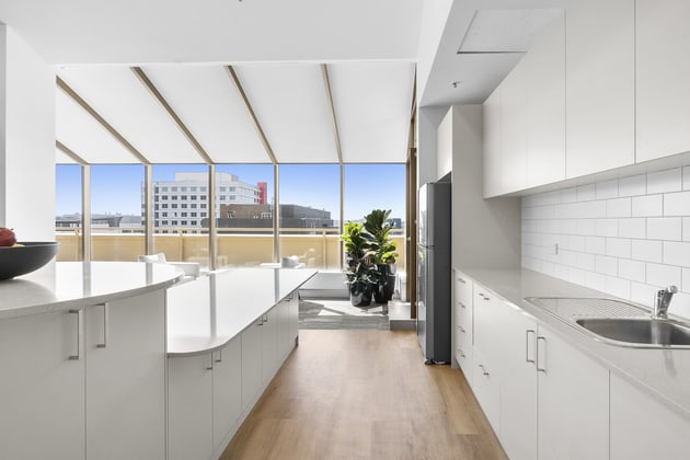 10&11/1 Bowes Place Woden ACT 2606 - Image 2