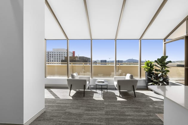 10&11/1 Bowes Place Woden ACT 2606 - Image 4